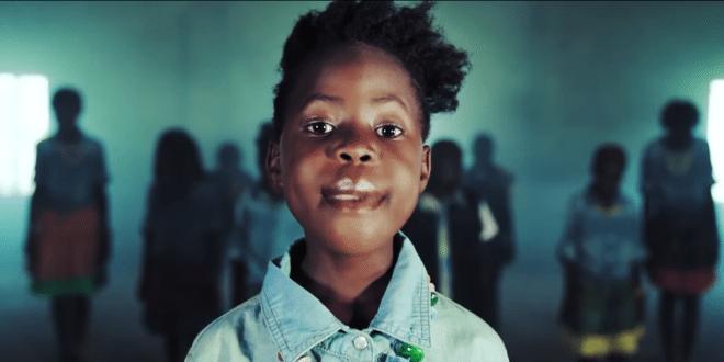 Niños huérfanos de África hacen un video y bailan en las redes sociales