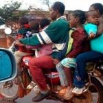 familia en moto