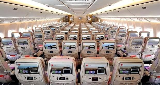 ¿Cuántos asientos tiene el avión con más capacidad del mundo?